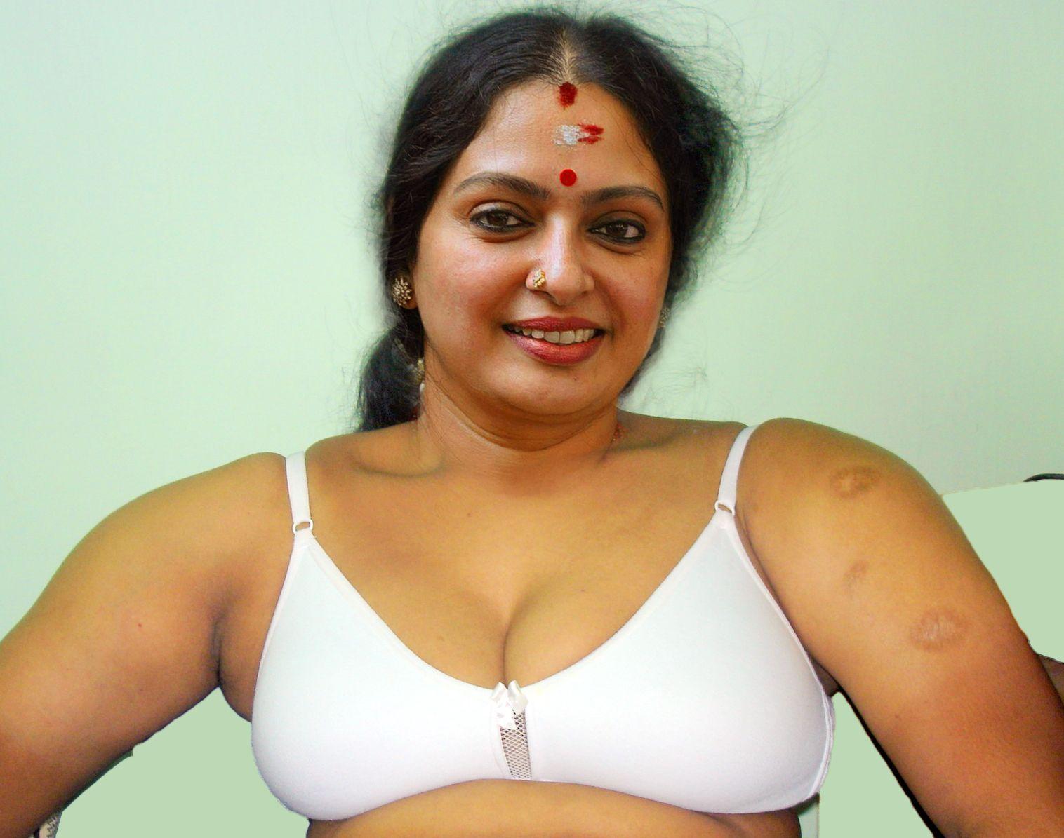 Seetha Nude