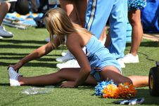 College Cheerleader Heaven: Sneaky Pic of A UCLA Cheerleader1024