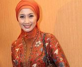 beautiful women: Desy Ratnasari