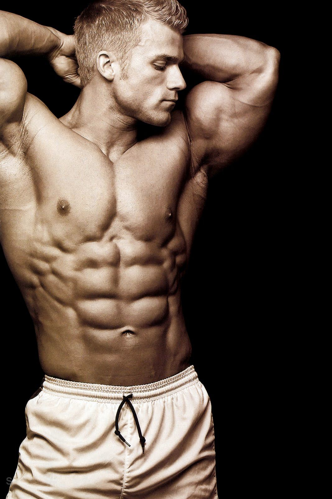 Hot Muscles Hung Beautiful Man