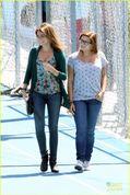 Family Season Sarah Hyland And Ariel Winter Bts Set S
