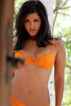 Sunny Leone in a workshop for Ragini MMS 2