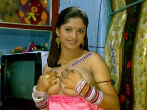 Actress NADHIYA nude boobs collections ~ Nude And Naked Actress