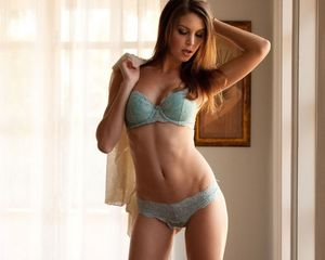 Amber Sym is a Drop Dead Gorgeous Goddess!
