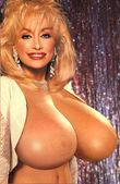 dolly parton is an actress and a singer she appeared in the movies 9