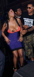 Blogs Insights: ABC airs Nicki Minaj nip slip -- PHOTO