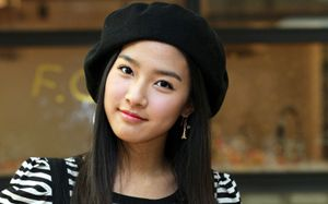 Beautiful and Cute Girl Korean Actress Women - Kim So-Eun - beautiful