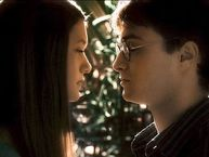 Daniel Radcliffe (Harry Potter) and Bonnie Wright (Ginny Weasley) is