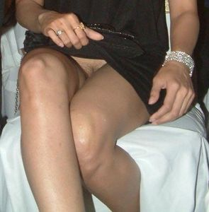 Bollywood Actress Scandals: Shamita Shetty upskirt hairy choot