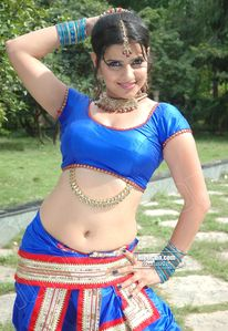 FILM ACTRESS HOT PICS: Madhu Sharma Sexy Boobs and Navel Show In Blue