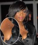 serena williams taped up breast at the beckham s party
