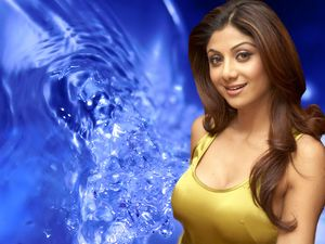 Shilpa Shetty Without Clothes Wallpaper Hot and Sexy Shilpa Very Cute
