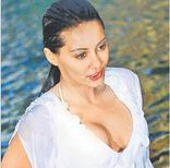 Sizzling Hot Celebs from India: 4/1/09  11/1/09