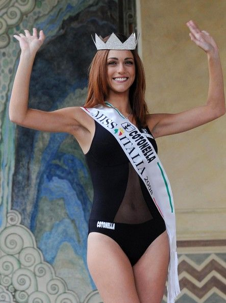 Beauty Contest Disambiguation