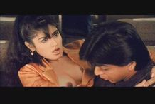 Raveena tandon's Accidental Boob Nip Slip!