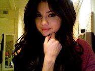 Selena Gomez deve lan�ar novo �lbum ainda nesse ano