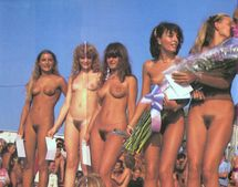 Walking Nude: Miss Nature contest movies