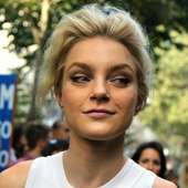 MODELS JAM: Jessica Stam At Dolce And Gabbana, Milano, September 2011