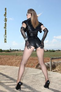 wind_and_leather_top_fetish_modell_lady_ann - Lady Ann - ernest92