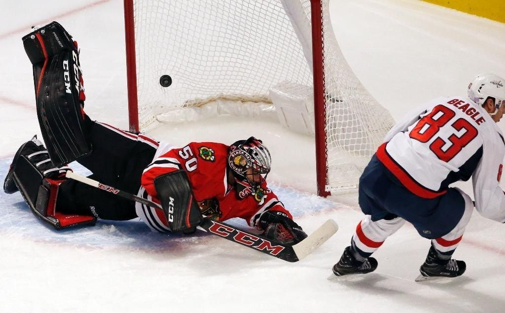 Johansson, Capitals cool off Blackhawks with 3-2 win