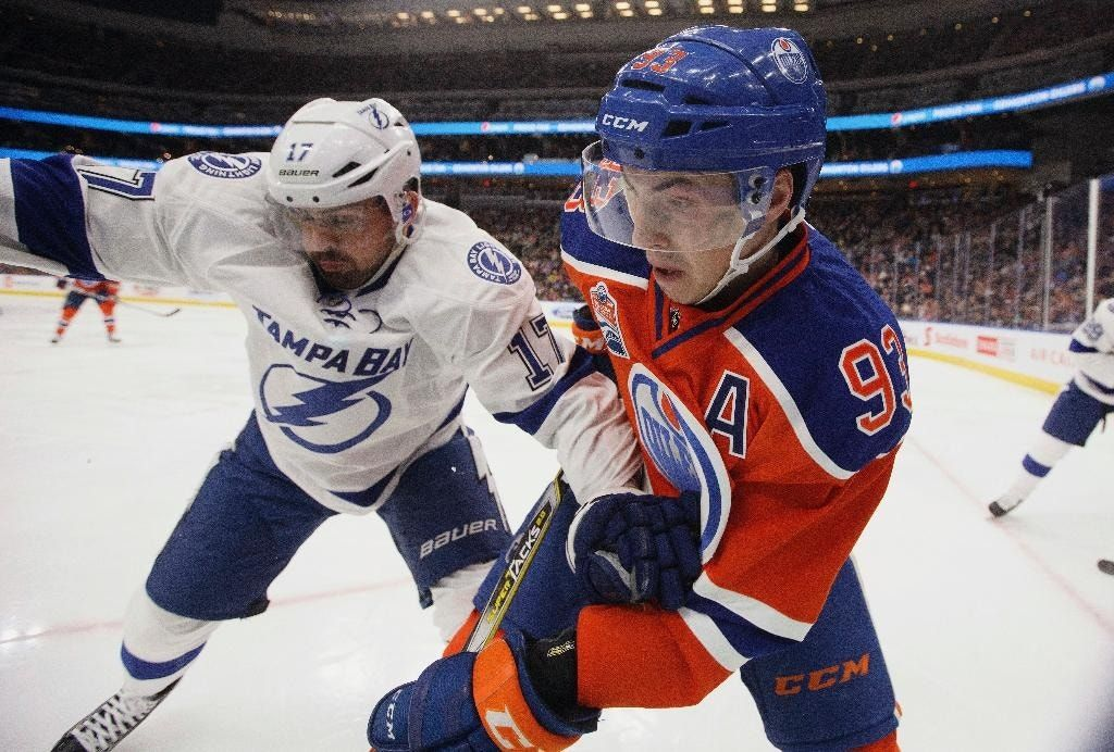 McDavid scores in shootout to lift Oilers over Lightning 3-2