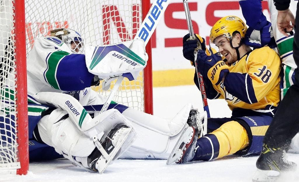 Arvidsson, Jarnkrok lead Predators past Canucks, 4-2