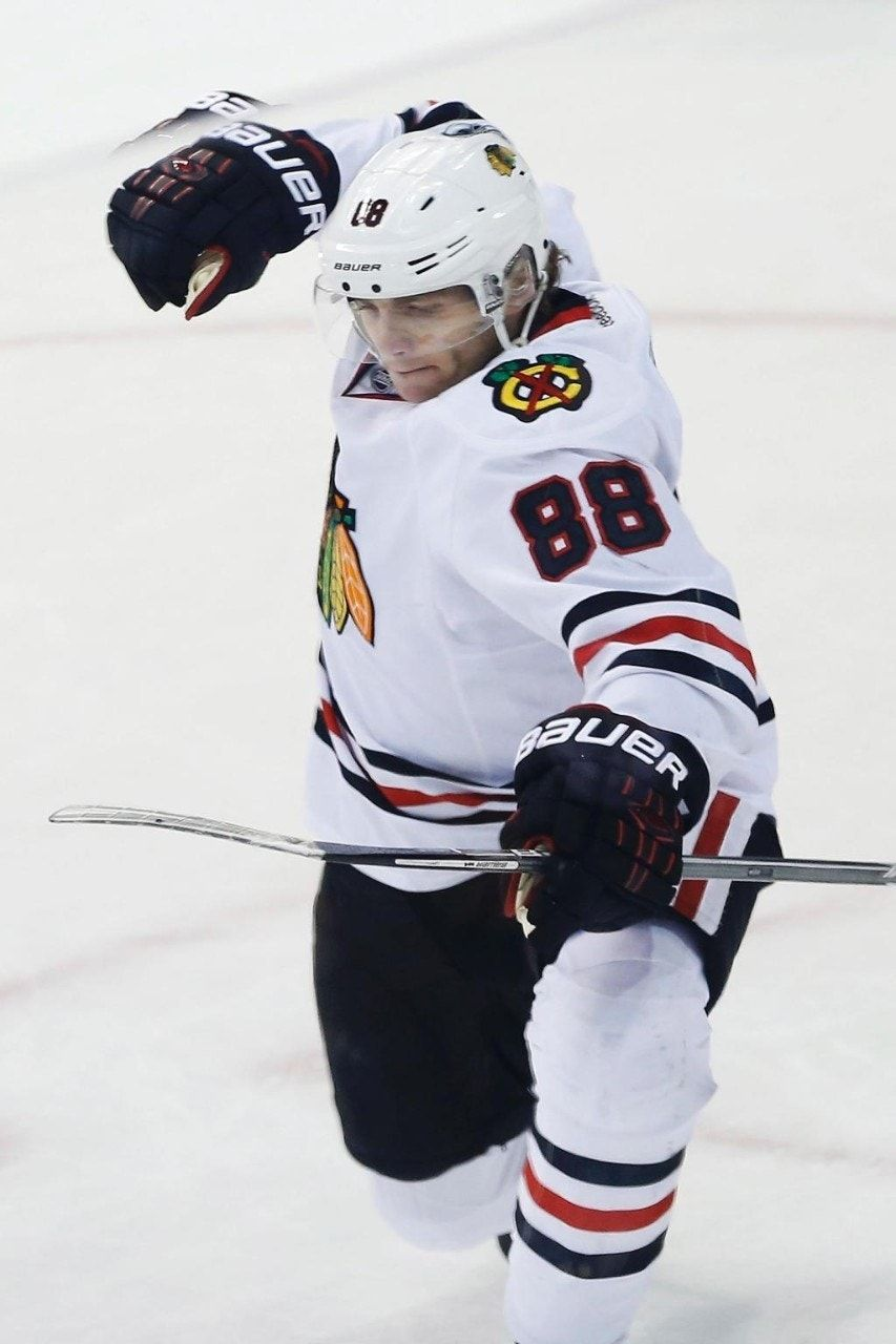 Kane-Anisimov-Panarin line leads Blackhawks past Jets, 5-2