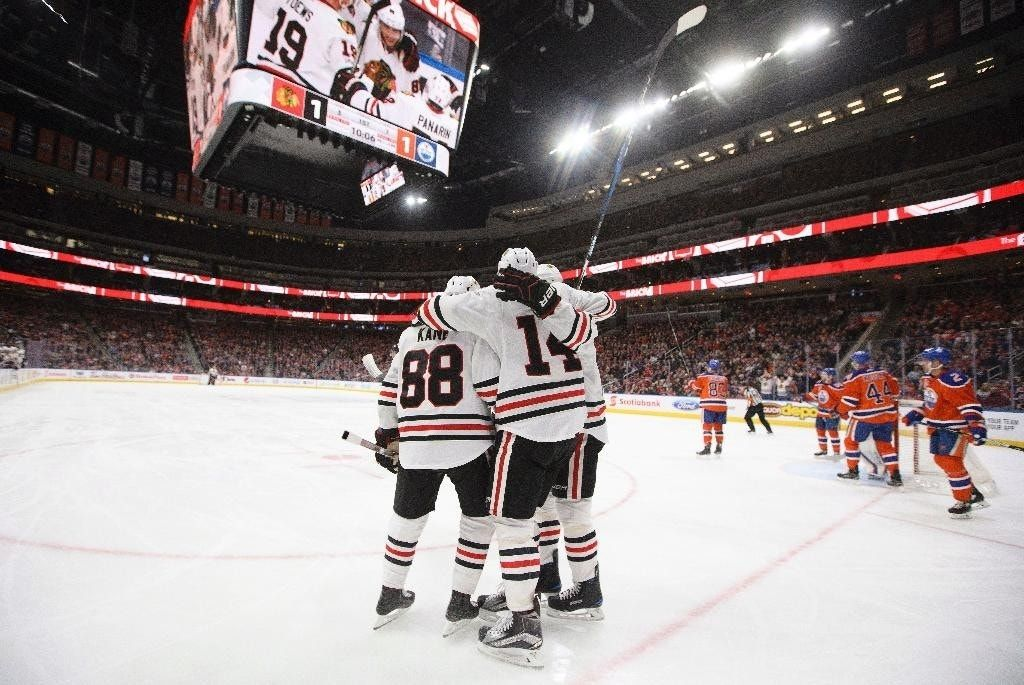 Panik scores twice and Blackhawks roll over Oilers 5-1