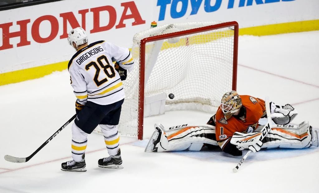 Sabres outlast Ducks in 10-round shootout for 2-1 win