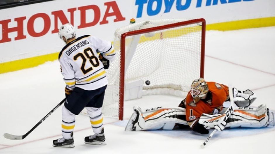 Sabres outlast Ducks in 10-round shootout, win 2-1
