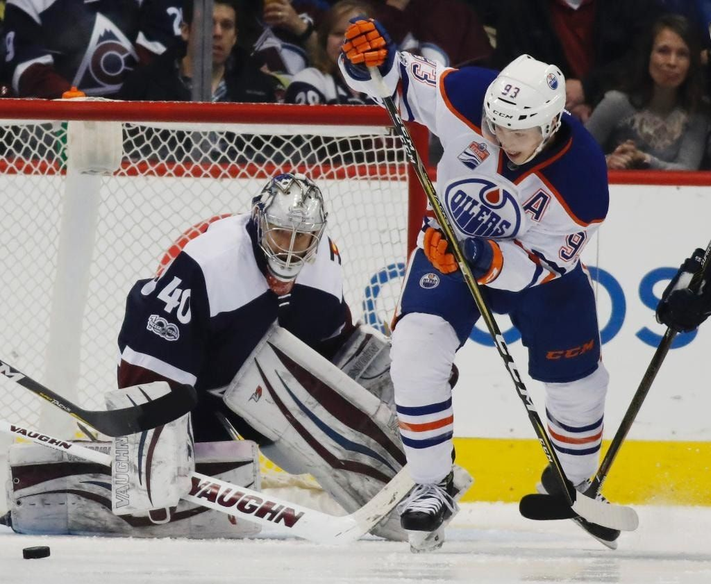 Oilers score 5 in third period, beat Avalanche 7-4