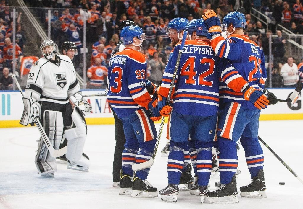 Talbot helps Oilers beat Kings 2-1 to clinch playoff spot