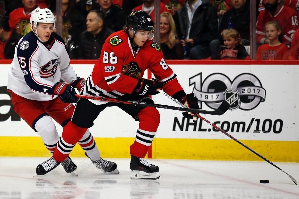 Panarin, Crawford lead Blackhawks past Blue Jackets 3-1