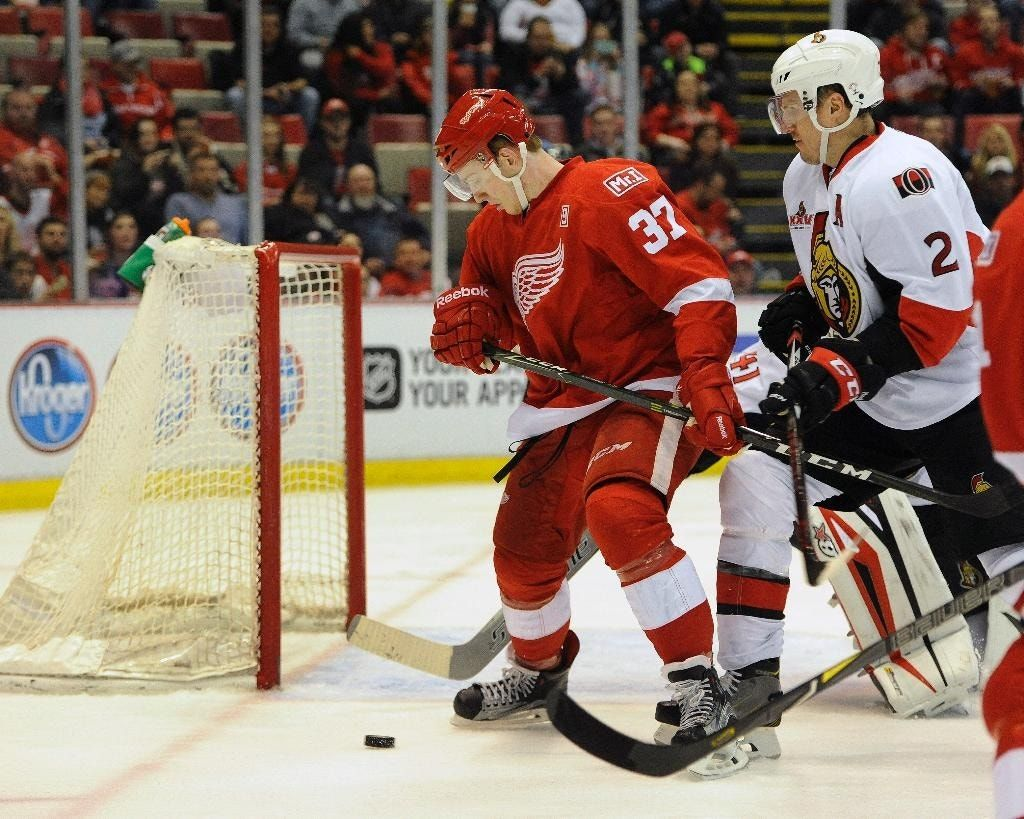 Svechnikov gets SO winner in debut, Red Wings beat Senators