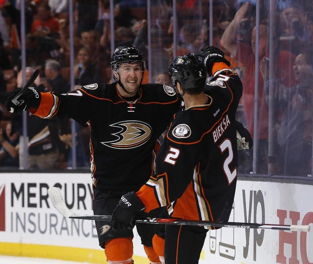 Ducks beat Flames 3-1, but lose Fowler to injury