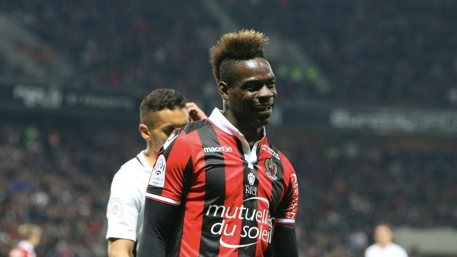 Watch Mario Balotelli go full Mario Balotelli and showboat with 30 minutes left on the clock