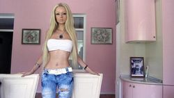ht valeria lukyanova 1 jt 120423 wblog The Real Life Ukrainian Barbie