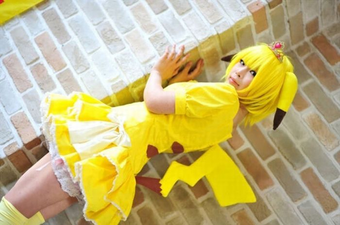 Cute Girl In Pikachu Costume Masturbates