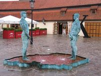 Strange statues, men who urinate in Prague | Advisor Travel Guide