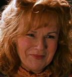 Julie Walters se transforma en Mo Mowlan/ Ha muerto 'Kung Fu'