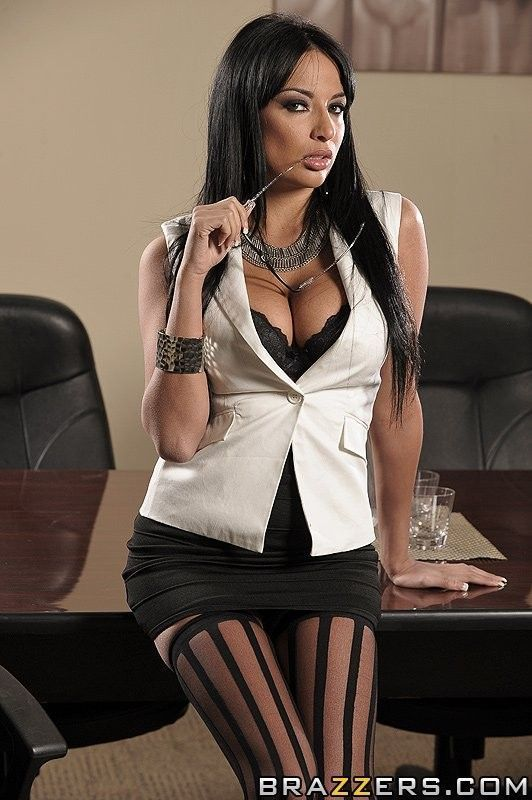 Anissa Kate Dads Hot Girl