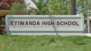 Sexting' photos prompt probe at Etiwanda, Rancho Cucamonga high