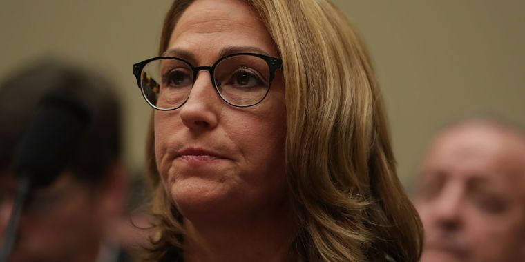 Lawsuit: Mylan's epic EpiPen price hike wasn't about greed—it's worse