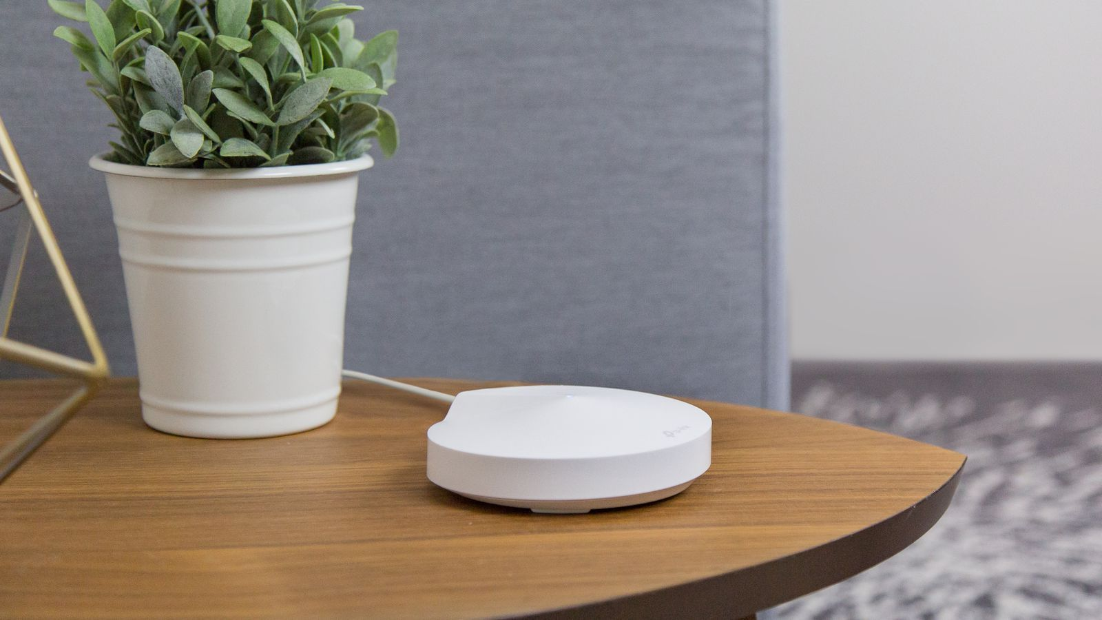 TP-Link joins the mesh router fight with the Deco M5