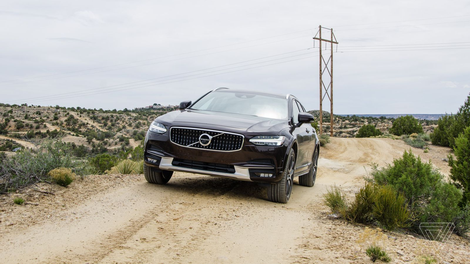 The wagon is back: The Volvo V90 Cross Country drives itself through the desert