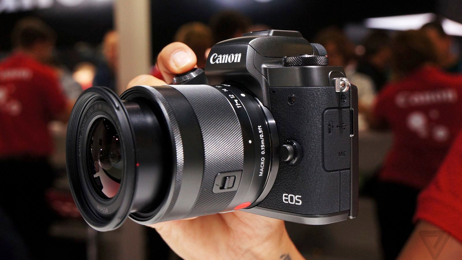 Canon's $980 M5 is an intriguing, but unconvincing mirrorless camera