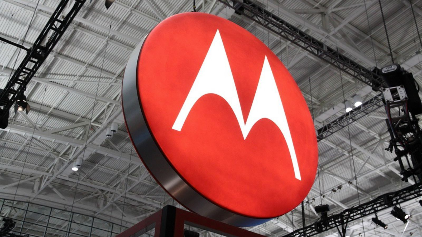First images of the Moto Z2 Play leak
