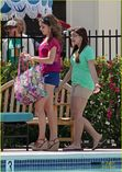 of sarah hyland ariel winter pool mf 06 | Sarah Hyland & Ariel Winter