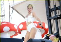 Miley Cyrus Flaunts Body at iHeart Radio Music Festival Village