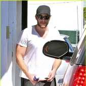 Liam Hemsworth: WeHo Gym Stop! : ENTpulse